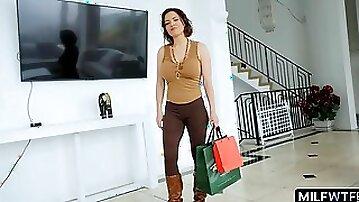 Perfect wife Krissy Lynn