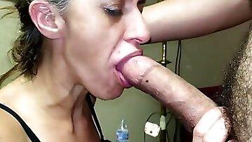 Gagging Granny Gummer Gnaws On Simps Cock