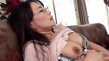 Asian MILF thrilling xxx video