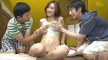 The Young Boy Makes Love With His Friends Older Sister