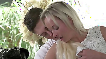 XxxShades - softcore kitchen sex with marvelous Slovakian babe