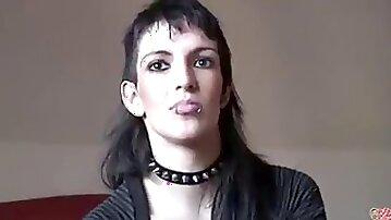 La debutante punk mi primera vez