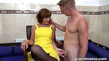 Horny GILF loves what she sees and that mature lady knows how to fuck