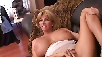 Mature busty mom lets her assistant cum inside