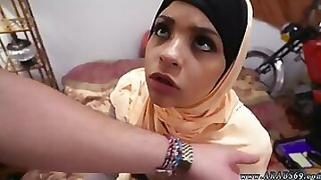 Arab cutie Desert Rose spreads her legs for fucking and receives cum in mouth