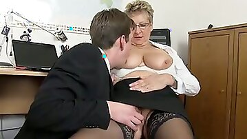 I am an old attractive lady with big boobs who loves fucking younger men