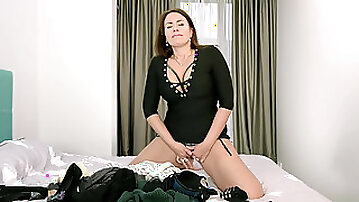 Tanya Foxxx indulges in a masturbation session