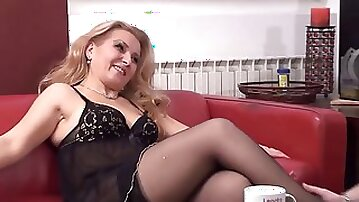 Marvelous blonde mature mother anal screw hd