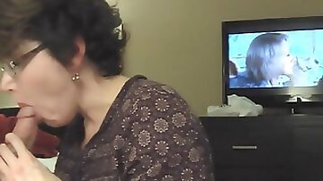 Just Divorced Mom Blows Cock