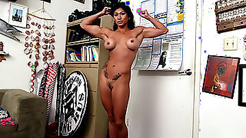 Xo Rivera is a hot fitness trainer with a tight lil body