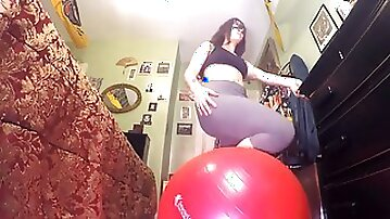 Huge Sbbw Bum Pawg Farting and Shitting Huge Bare Booty