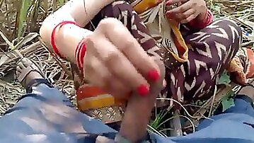 Indian Gf outdoor fuck-fest with beau