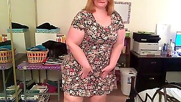 Amateur fat woman dancing in front of the camera
