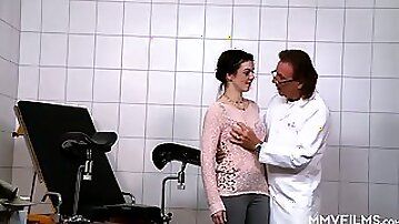 Old gynecologist enjoys fucking wet pussy of nerdy brunette Scarlet Rose