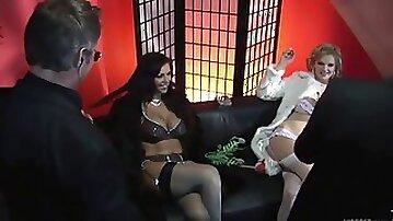 Smoking Bitches Wait For 4sum - Tarra White