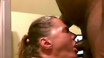 Dirty blonde cougar is really eager to try out gagging
