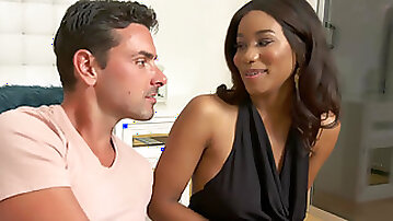 Curvy ebony Jenna Foxx loses her virginity to a horny lad