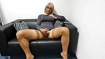 Masturbate jerk in the Office nylon soles