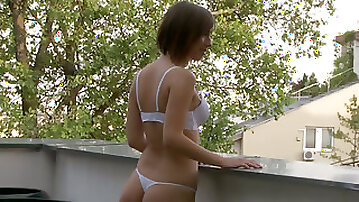 Extremely seductive babe with divine ass knows how to give a good blowjob