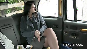 Lunch break amateur sex in fake taxi