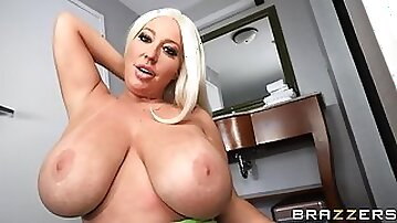 Stassi Squirts In The Hotel