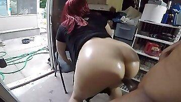 Huge Milky Dame Pulls her Sundress up & Gets Screwed in the Garage!